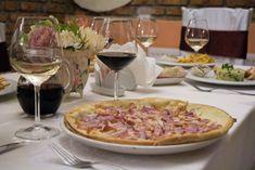 Fotografii Four Roses Brasov Restaurant, Four, Roses, Pink, Diner Restaurant, Rose, Restaurants, Dining