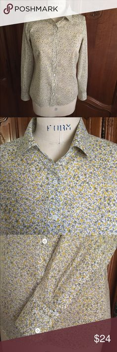 J. Crew Perfect shirt 🌻 J. Crew Perfect shirt in size 0.  Button down shirt Excellent for office attire or with jeans.  Tiny all over print in grey, yellow/gold, and white.  100% cotton, soft, lightweight and crisp like the Liberty of London fabrics.  Very fine condition. No tears or stains. J. Crew Tops Button Down Shirts