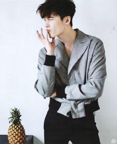 Lee Jong Suk 이종석 |Current Drama 'W-Two Worlds/C/T Drama Jade ... Lee Jong Suk 2016, Lee Jong Suk Ceci, Lee Jung Suk, Suwon, Korean Men, Asian Men, Asian Boys, Asian Actors, Korean Actors