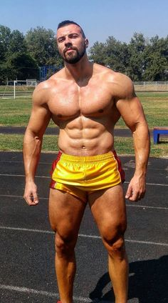 Indian Men Fashion, Men's Fashion, Muscle Boy, Gym Body, Bear Men, Muscular Men, Mature Men, Guy Pictures, Sport Man