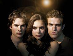 Fotos revelam momentos interessantes do primeiro episódio de VAMPIRE DIARIES em 2013 na TV americana: http://www.minhaserie.com.br/novidades/9821-vampire-diaries-fotos-reveladoras-do-primeiro-episodio-de-2013