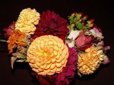 I love these fall colors, going to use them in my fall wedding :)