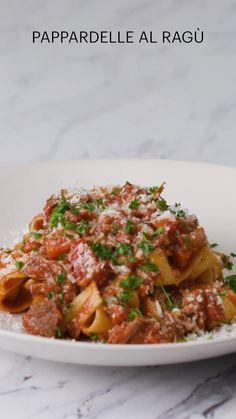 Meat Recipes, Cooking Recipes, Pasta Recipes, Buzzfeed Tasty, Buzzfeed Food Videos, Sauce Bolognaise, Tasty Dishes, Food Inspiration, Italian Recipes