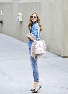 デニムonデニムに淡いピンクのリュックがおしゃれ!リュックコーデ♡真似したいスタイル・ファッション☆