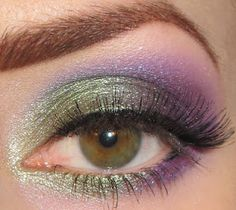 Glitter is my crack...: Green and Purple Eye Makeup Look + Picture Tutorial