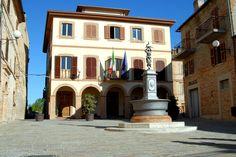 Piazza Umberto I° palazzo comunale  #marcafermana #campofilone #fermo #marche