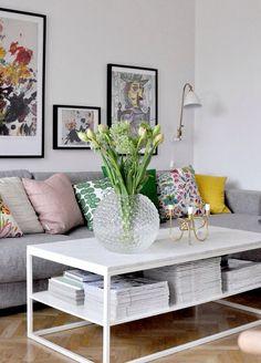 Home of debbie.nu dendardebbie svenskt tenn dagg bestlite gubi marmorbord franska tulpaner tulips vänskapsknuten