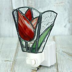 ステンドグラス製 フットライト・チューリップ赤| - 和の空間に似合う、レトロなデザインのステンドグラス雑貨・ガラス製品の通信販売|Amieseステンドグラス・立体ガラス雑貨