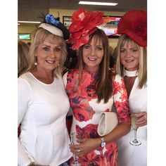 Another fun day out at the races  #mayraces#warrnambool#racecourse#horses#tips#bets#champagne#wind#matildaroom#fun#friends#sisters#fashion#fascinator#love3280#destinationwarrnambool @doreen50 @jenniferk64  by vonniebaud