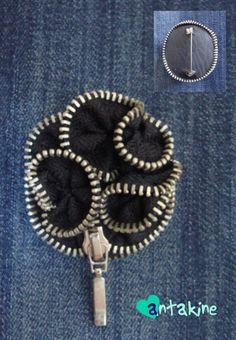 Brooch made of zipper. It perfect suits on denim. Sagė iš užtrauktuko. Puikiai tinka prie džinsinio audinio.