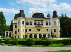 List of castles in Slovakia Mary Stuart, Different Countries, Big Houses, Mansions, Landscape, Country, House Styles, Home, Wikimedia Commons