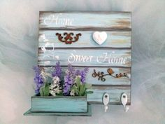 Quadro porta chaves-Home Sweet Home com floreira com detalhes em stencil ,madeir… - How To Make Things Decoupage Vintage, Decoupage Wood, Vintage Crafts, Pallet Wall Shelves, Diy Pallet Wall, Pallet Art, Diy Arts And Crafts, Craft Stick Crafts, Barn Wood Crafts