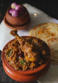 Chicken Chettinad Curry is the peppery, hot and delicious chicken curry from the land of Chettiyars, the trading community of India. It is also known as pepper chicken. Learn how to make Chettinad style pepper chicken in few simple steps. Veg Recipes, Curry Recipes, Indian Food Recipes, Chicken Recipes, Cooking Recipes, Andhra Recipes, Kerala Recipes, Cooking Beef, Indian Foods
