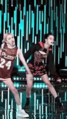 Black Pink Songs, Black Pink Kpop, Black Girls, Blackpink Fashion, Kpop Fashion Outfits, Korean Girl Fashion, Black Pink Jennie Kim, Baile Hip Hop, Pink Movies