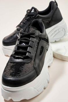 Bambi marka pullu yüksek topuklu siyah renk spor ayakkabı modeli | Kadınca Fikir - Kadınca Fikir Bambi, Balenciaga, Sneakers, Fashion, Tennis, Moda, Slippers, La Mode, Sneaker