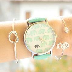 Reloj elefante cuero Los relojes són tendencia esta temporada. Hoy os presentamos nuestro preferido de esta colección de relojes para mujer. El reloj con elefantes disponible en varios colores y c…