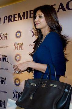 Shilpa Shetty carrying Hermes Birkin. Bollywood celeb bag style.