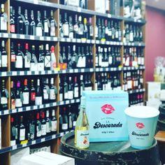 #Novedad ! #LaDescarada Vino blanco del #Penedes  #Gewurztraminer #Moscatel #SayvignonBlanc Próximamente degustación con nosotros #BressolDeVins  #Vino #Bodega #Degustacion #Barcelona