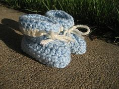 Ravelry: Easy Ten-Step Baby Booties pattern by Heather Phillips