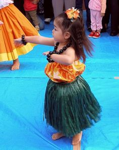 I love seeing these little keiki with better form than some of the adult dancers I see. It just amazes me!
