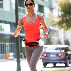 The SPI H2O™ Venture Series hydration belt is bounce-free, easy to use, and eliminates cumbersome bottle holders. Includes two, 8 ounce bottles can be placed anywhere on the elastic maximizing comfort and keeping up with your longest runs. Winner of Best of Active.com Running