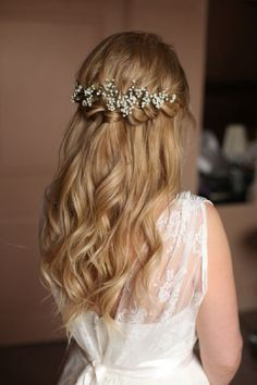 Braids half up half down wedding bridesmaid hairstyle, partial updo bridal hairstyles - a great options for the modern bride from flowy bohemian to clean contemporary