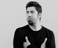 Chino Moreno, oh hell!! that takes me back to 7th grade!!!! luv me sum chino!!