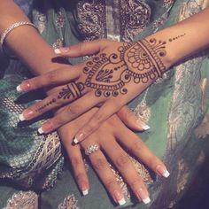 More wedding henna  #shaadi #weddingseason #sangeet #seattle #hennaartist #henna #mehandi #mehndi #indianbride #punjabiwedding #pakistaniwedding #desibride #southindian #maharaniweddings #hennadesign #desigirl #lovemyjob #hudabeauty #Vegas_nay #indianwedding #hennabynatasha #engagementring #seattlegirl