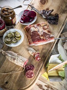 Hjemmelaget bacon – oppskrift | Lizas Småbruk Dairy, Cheese, Food, Eten, Meals, Diet