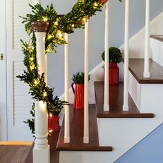 Simple Christmas Entry Decor