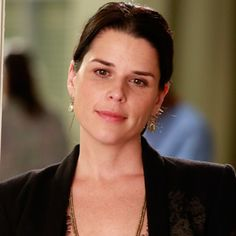 i just have to say i am sooo happy neve campbell is one of derek's sisters..i hope she appears in more episodes and also embeth davidtz (miss honey from matilda) as his other sister!