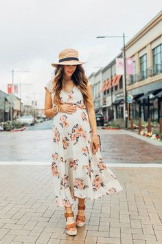 15 Incredible Amazing Spring Outfit Style To Choose - Fashiotopia - Spring Maternity Outfits - Summer Maternity Fashion, Stylish Maternity, Spring Fashion Outfits, Maternity Dresses, Dress Fashion, Maternity Styles, Maternity Photos, Trendy Fashion, Women's Fashion
