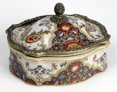 Beautiful Porcelain Box.