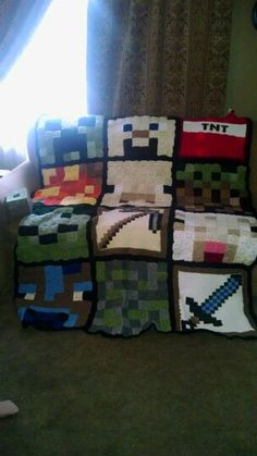 My Awesome mom rocked out this crochet minecraft… Cute Crochet, Crochet For Kids, Crotchet, Crochet Yarn, Minecraft Crochet Patterns, Minecraft Pattern, Yarn Projects, Crochet Projects, Minecraft Blanket