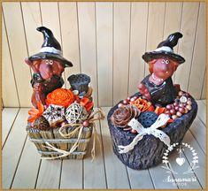 Boszorkányos asztali dekoráció / Witch table decoration Wreaths, Halloween, Home Decor, Decoration Home, Door Wreaths, Room Decor, Deco Mesh Wreaths, Home Interior Design, Floral Arrangements
