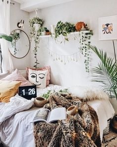 Bohemian bedroom decor and bed design ideas hippy bedroom, hippie bedro Room Ideas Bedroom, Home Decor Bedroom, Modern Bedroom, Bed Room, Contemporary Bedroom, Bedroom Designs, Master Bedroom, Bedroom Inspo, Bedroom Brown