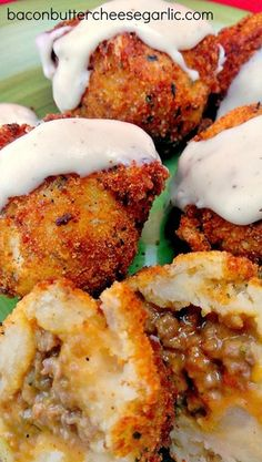 Bacon, Butter, Cheese & Garlic: Stuffed Mashed Potato Balls (Papas Rellenas) I hope this is easy to make. Comida Latina, Mexican Food Recipes, Beef Recipes, Cooking Recipes, Healthy Recipes, Meat And Potatoes Recipes, Indian Recipes, Healthy Food, Cheap Recipes