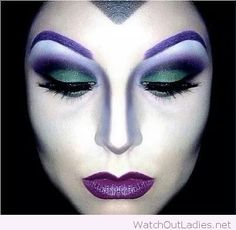 Looking for for ideas for your Halloween make-up? Browse around this website for perfect Halloween makeup looks. Halloween Makeup Looks, Halloween Make Up, Halloween Costumes, Creepy Halloween, Maleficent Halloween, Maleficent Costume, Halloween Painting, Halloween Ideas, Disney Halloween Makeup