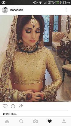 nice Gold bridal by Rana Noman Haq. Pakistani Bridal Couture, Indian Bridal Fashion, Indian Bridal Makeup, Indian Wedding Outfits, Desi Bride, Desi Wedding, Wedding Wear, Wedding Attire, Asian Bride