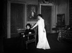 Carmen Cobeña y Julia Cirera en la representación de Casandra, 1910.