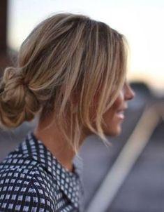 low messy bun; 10 easy hairdos!