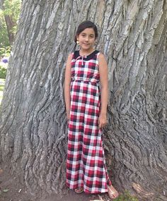 11 yr old Hannah looking gorgeous in our Penny Peter Pan collar mini maxi dress. Soft comfortable stretchy cotton & on sale $20- $25 @synthiagd #humstitchery
