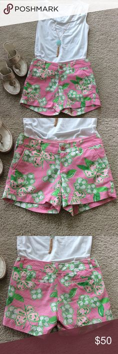 """Lilly Pulitzer Callahan Pretty Pink Tootie shorts Lilly Pulitzer Callahan Pretty Pink Tootie shorts. Super cute Textured feel. Front zip and button closure. Pockets. 5"""" inseam. Laying flat waist approx 15"""" across. 100% cotton. Size 0. Excellent condition. #438 Lilly Pulitzer Shorts"""