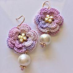 かぎ編みflowerモチーフとコットンパールのピアス