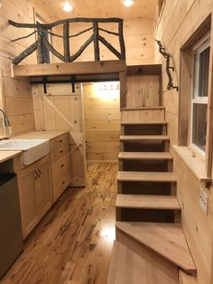 Cheyenne by Incredible Tiny Homes is a x tiny home weighs approx. 11200 pounds and has a &; Cheyenne by Incredible Tiny Homes is a x tiny home weighs approx. 11200 pounds and has a &; […] Homes Plans little houses Tiny House Show, Tiny House Loft, Tiny House Living, Tiny House Plans, Tiny House Design, Tiny House On Wheels, Small Cabin Interiors, House Interiors, Tyni House