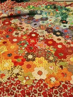 Hexagon Patchwork Quilt by Littlelixie, via Flickr