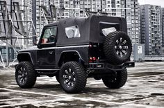 Land Rover Defender 90 Soft Top Twisted. Perfect Style.