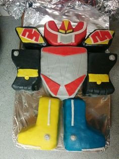Power Rangers Megazord cake.