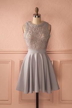 Robe gris pâle haut en dentelle - Lace top grey light dress