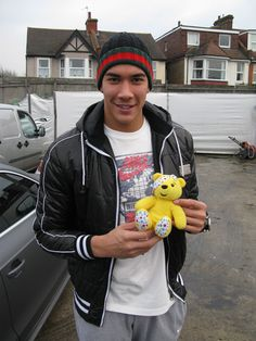 Neil Etheridge, Goalkeeper at Fulham FC, supports the Paul Strank Roofing Photothon with Pudsey! #cin #